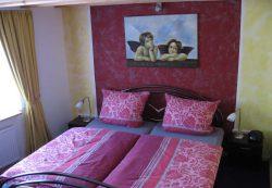 tant-anna-schlafzimmer